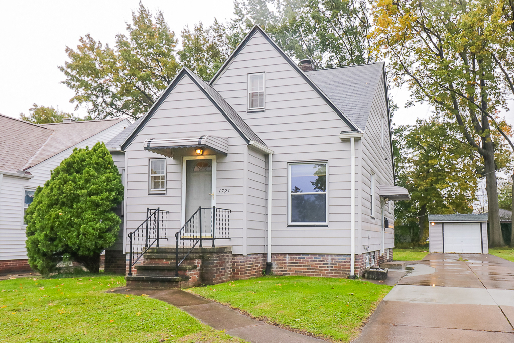 1721 Tuxedo Ave <br>Parma, OH 44134