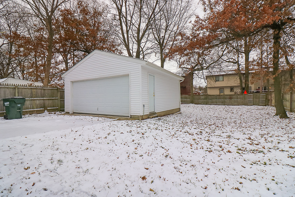 4278 Prasse Rd</br> South Euclid, OH 44121