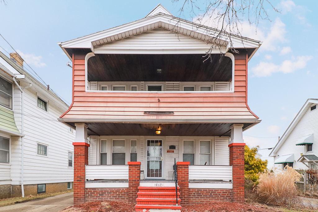 18621 Kewanee Ave</br> Cleveland, OH 44119