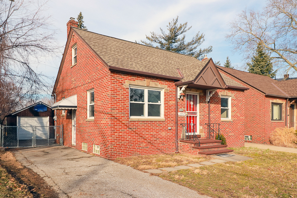 17717 Dillewood Rd</br> Cleveland, OH 44119