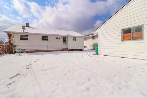 14817 Corridon Ave</br> Maple Heights, OH 44137