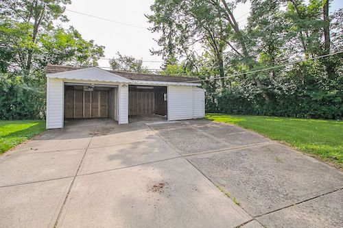 20502 Gardenview Dr</br> Maple Heights, OH 44137