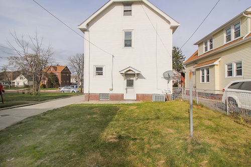 18702 Chickasaw Ave</br> Cleveland, OH 44119