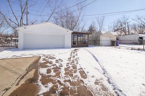 4417 E 156th St</br> Cleveland, OH 44128
