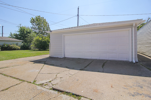 4245 E 177th Pl</br> Cleveland, OH 44128